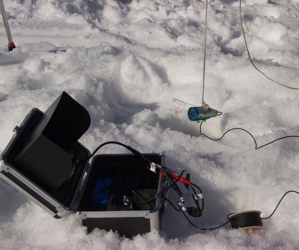 how to choose the best ice fishing fish finders