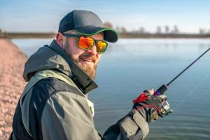 18 Best Polarized Sunglasses For Sight Fishing – Zero Glare, More Catch!